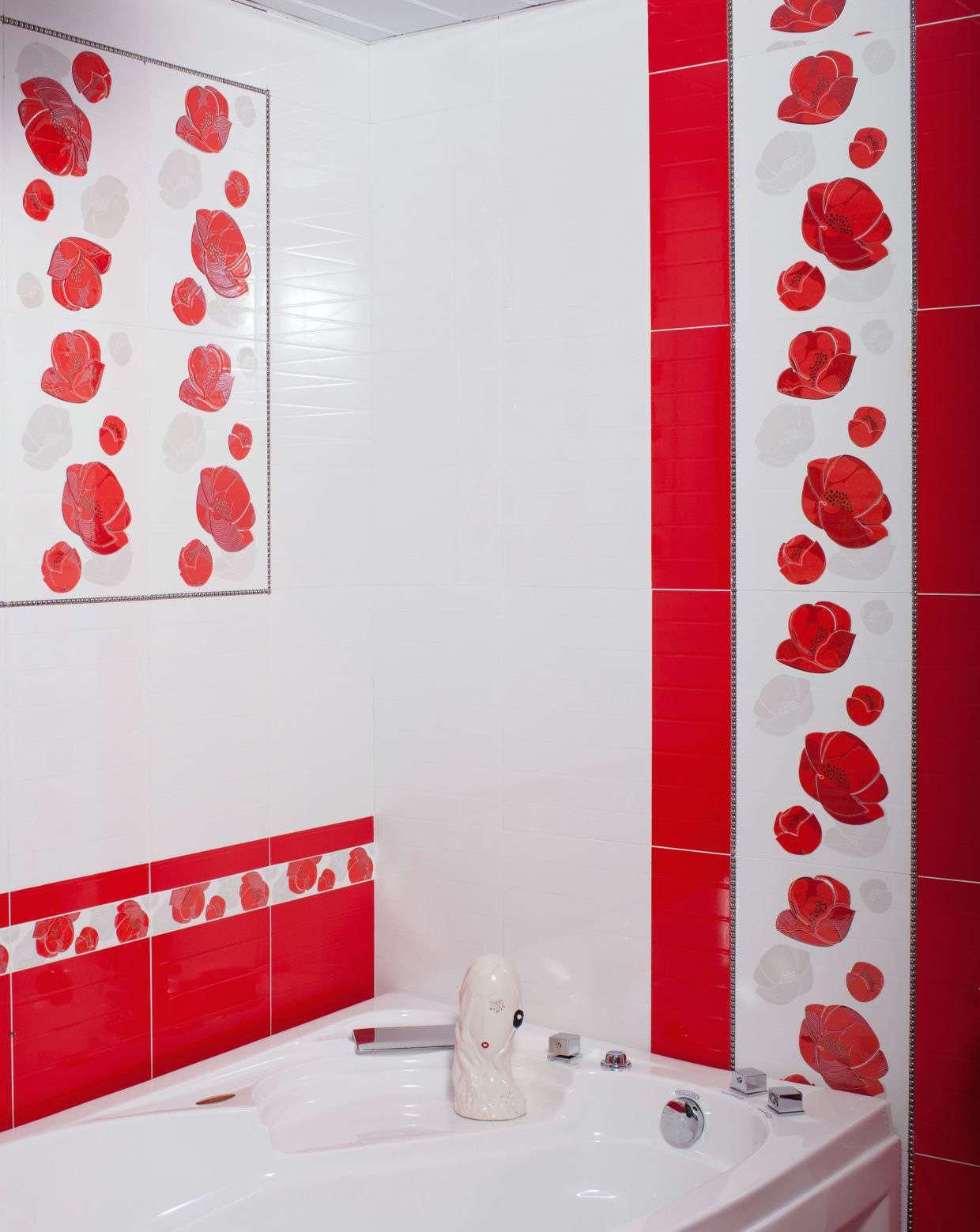 Кафель с красными цветами